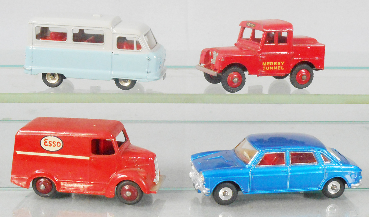 Reproduction-Painted Driver or Passenger Figures Dinky 263 277 278 Ambulance